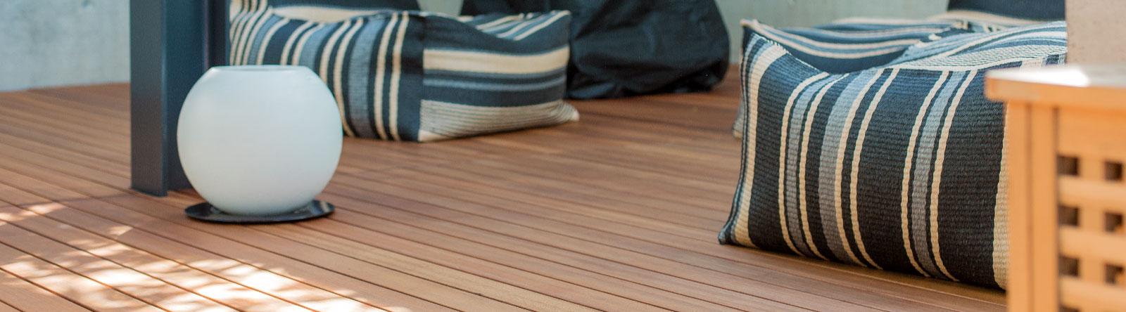 holzboden und holzdielen f r parkett terrassen garten und mehr h sler massivholz ag. Black Bedroom Furniture Sets. Home Design Ideas